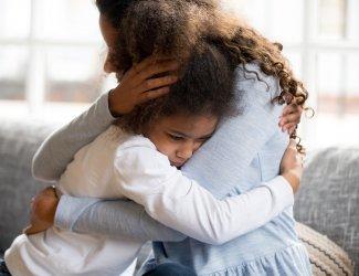 Hoe help je jouw kind na het overlijden van vader of moeder?